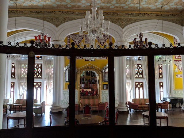 Bangalore has a lot of options to be occupied if you are a tourist. Here is the list of things to do in Bangalore palace.